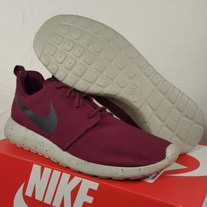Nike Roshe One SE Running Shoes size 11 and 6.5